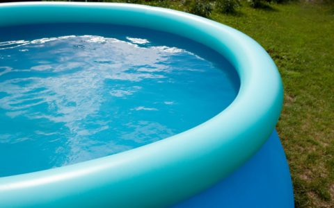 Installer une piscine hors sol