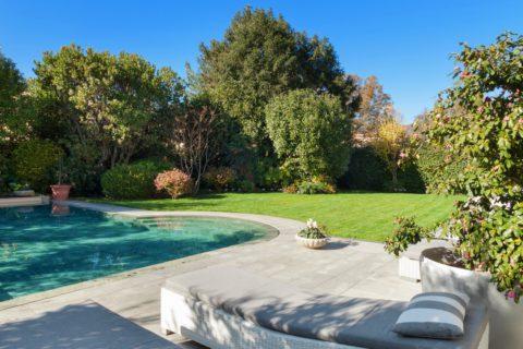 Bien aménager l\'espace autour de sa piscine | Paysagiste.info