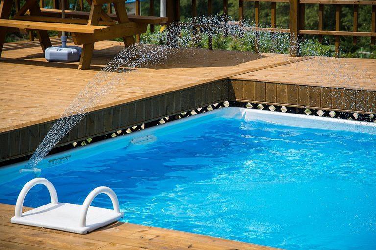 Comparatif des différents matériaux de bassins de piscines