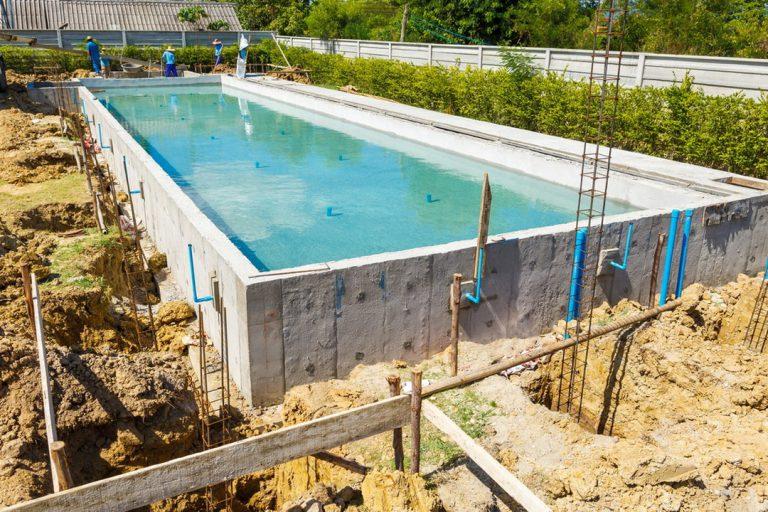 Étapes et conseils de construction de sa piscine