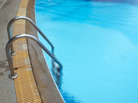 Bien choisir ses margelles de piscines