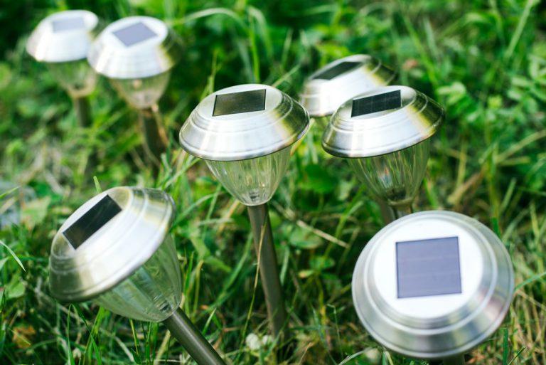 Utiliser de l'éclairage solaire pour son jardin