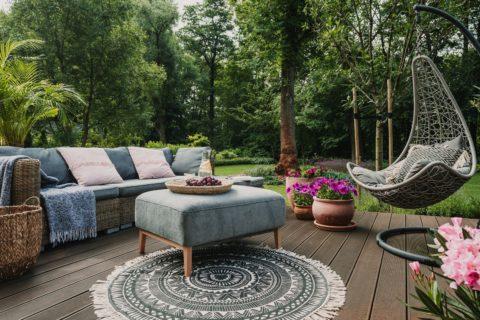 mobilier de jardin joli et confortable
