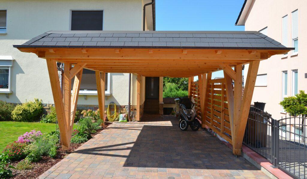 beau carport sur mesure en bois