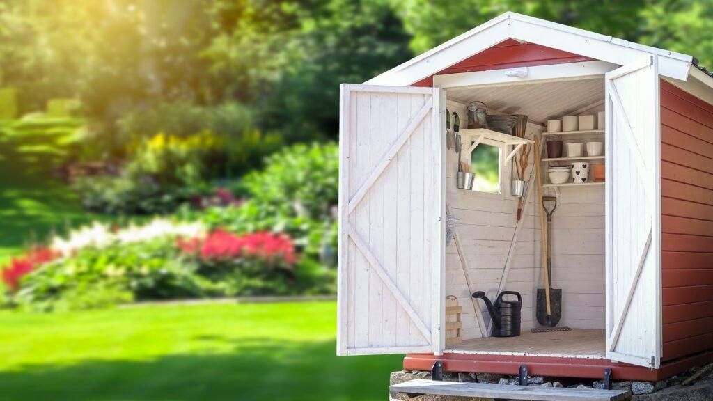 petite cabane à outils de jardin
